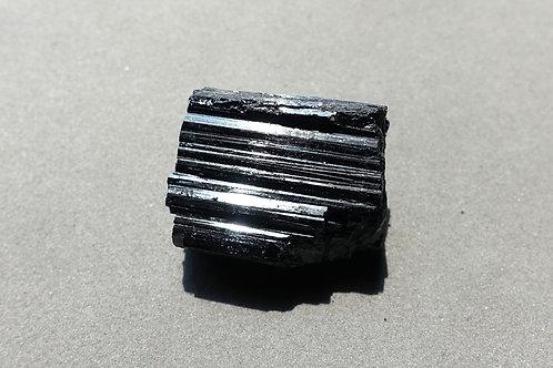 黑碧璽原石9