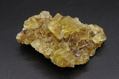 螢石(含黃鐵礦)原礦標本