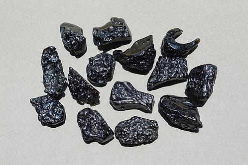 玻璃隕石中度打磨原石(小)