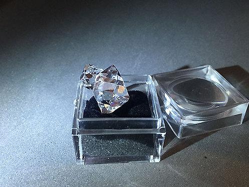赫基蒙鑽石(閃靈鑽)雙晶原礦4