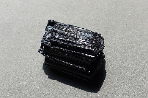黑碧璽原石4