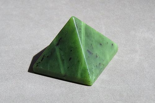 新西蘭軟玉金字塔