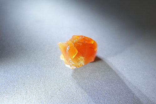 火蛋白石原礦石1