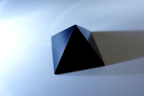 次石墨金字塔