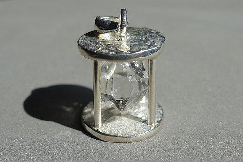 赫基蒙鑽石(閃靈鑽)「沙漏」形銀吊墜