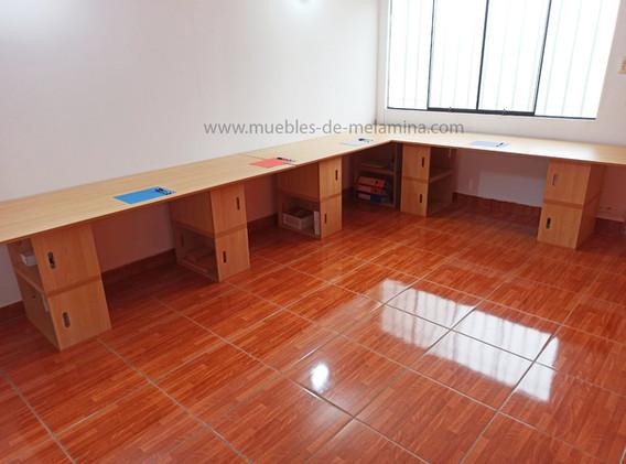 tres mesas en forma de L.jpg