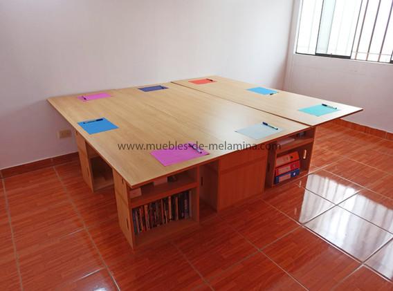 mesa cuadrada de tres escritoriobox.jpg