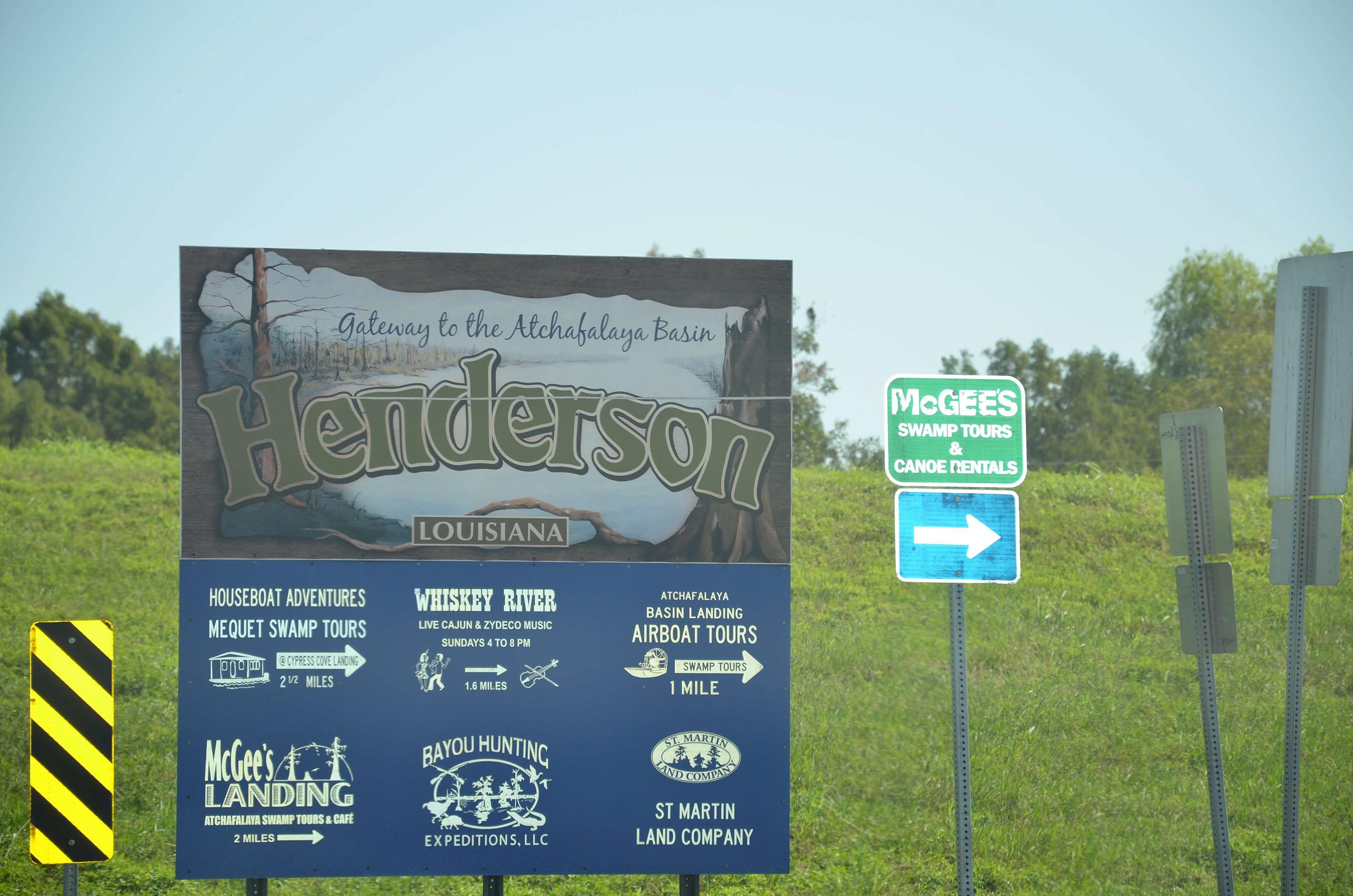 L_HendersonSign2.JPG