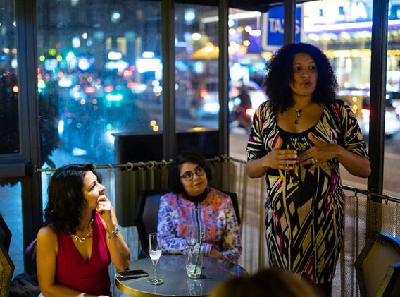 diner womanconnecting-20.JPG