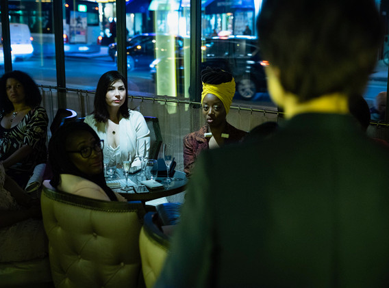 diner womanconnecting-17.JPG