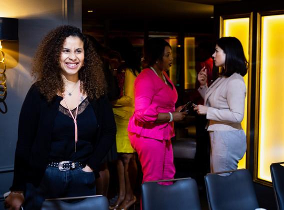 diner womanconnecting-14.JPG