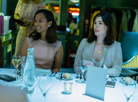 diner womanconnecting-6.JPG