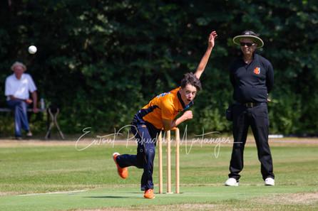 Noah de Roos - Cricketclub Bloemendaal