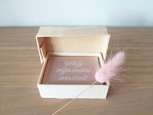 Zeepblokje met tekst in houten doosje