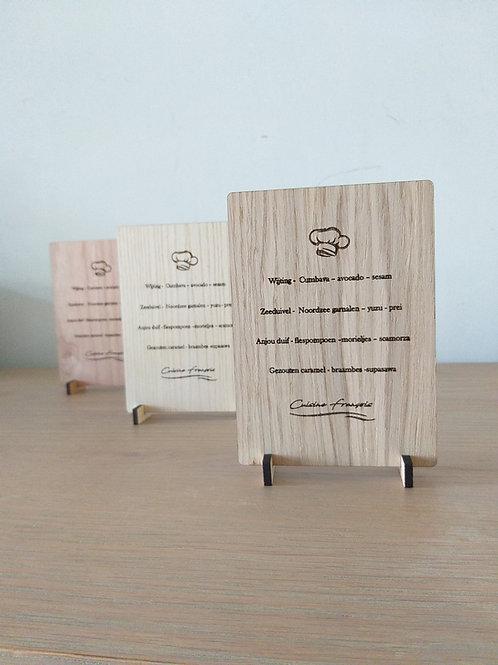 Tafelmenu hout gegraveerd