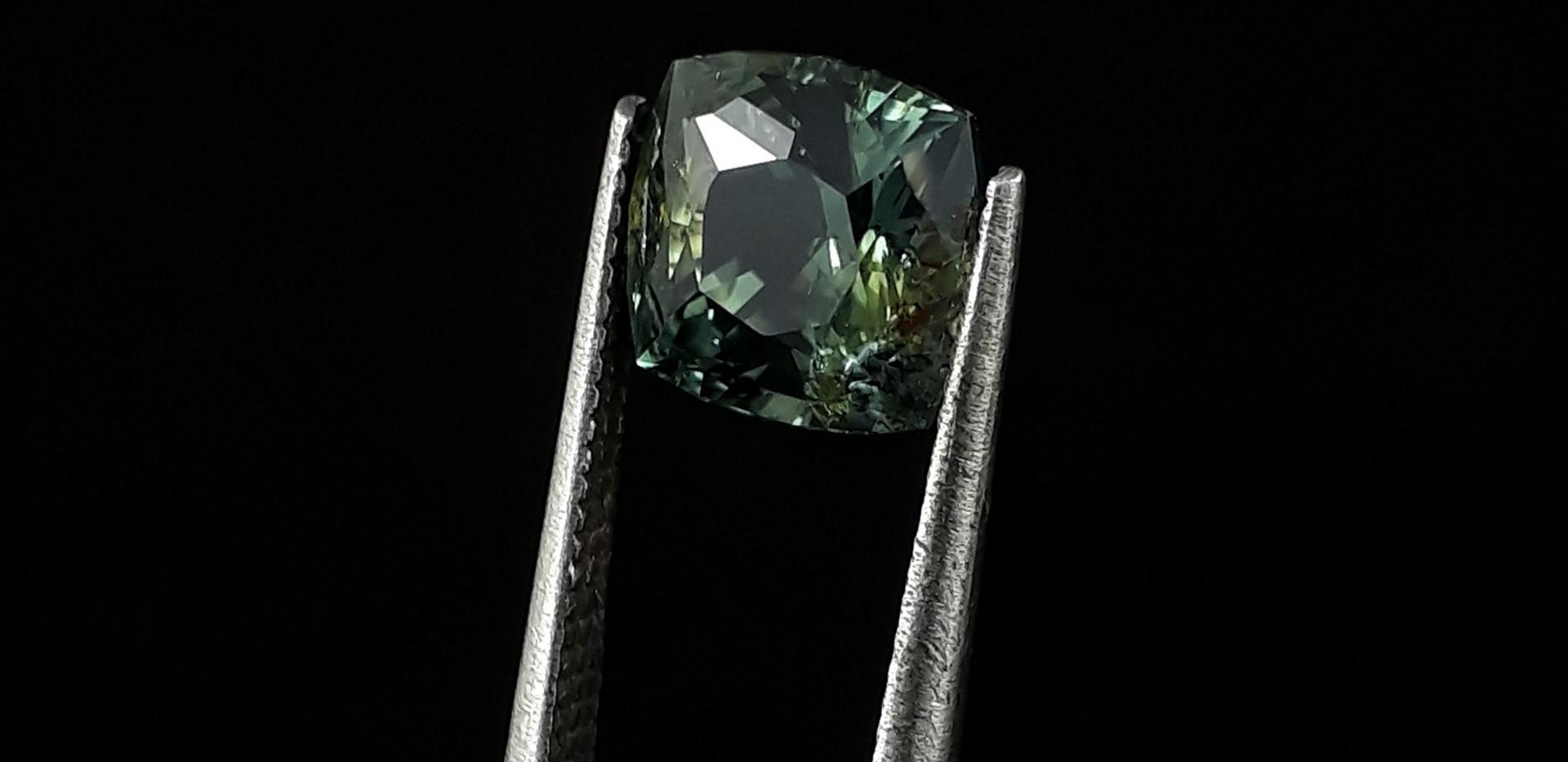 Green-Sapphire-Z003-Oscar-Bautista-d.jpg