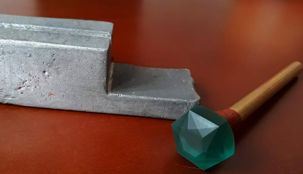 Como hacer para que una gema quede bien centrada para facetarla o tallarla.