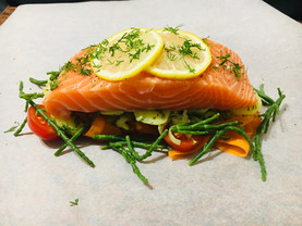 Delivered dinner salmon papillote enviecatering