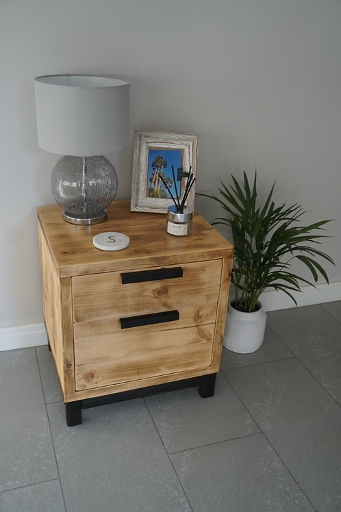 Madera Bedside Table