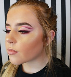 using the _plouise_makeup_academy base a