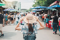 woman-traveling-backpacker-with-hat-YENC