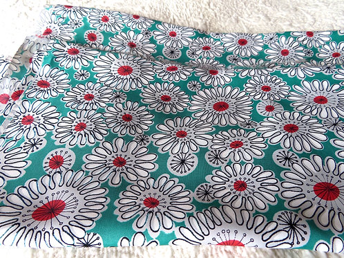 """Vintage Green Floral Rayon Fabric Gray White Atomic Daisy Print 1 Yd 28"""" L x 41"""""""