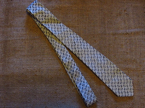 60s Skinny Paisley Necktie Silver Gray White Tie French Fabric
