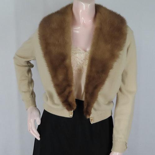 Vintage beige cashmere sweater with brown fur collar