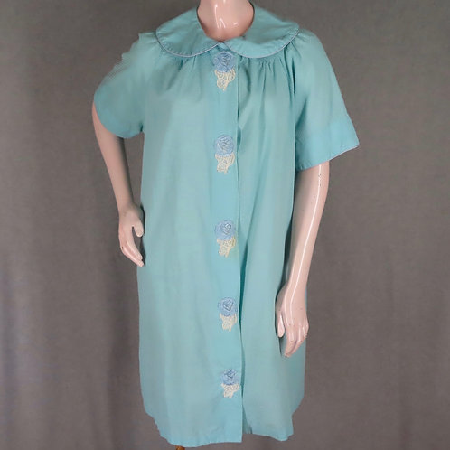 Vintage Mode O'Day duster or robe made of blue dotted swiss fabric