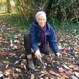 Bulb planting at Faversham Rec 2019 (pho
