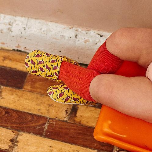 Chaussons bébé martin-pêcheur jaunes moutarde