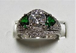 Custom diamond & tsavorite set