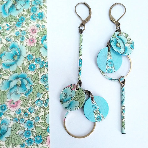 Boucles d'oreilles Noélie fleuri bleu clair et vert