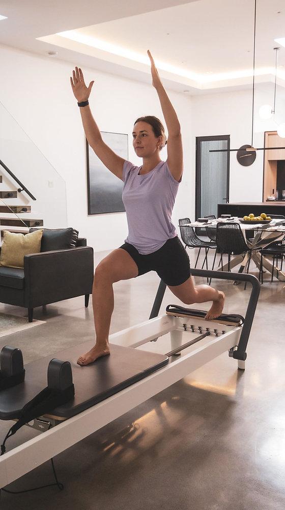 Lori Anne Boisjoli, Kinésiologue propriétaire et instructeur des cours de Pilates - Location de tabl