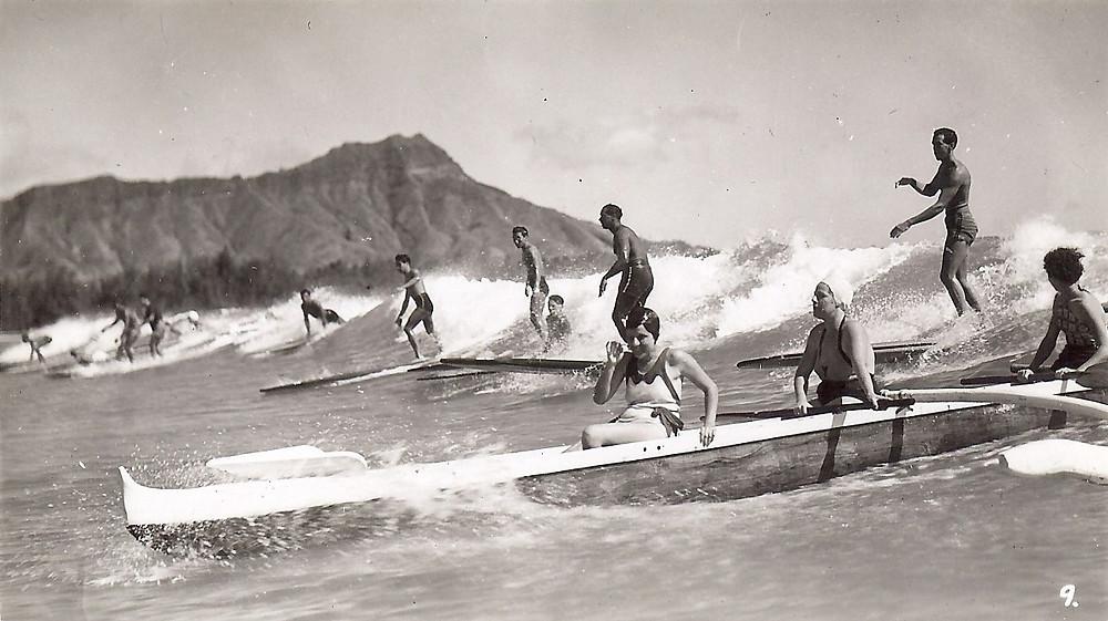 На Гавайях волны принято было делить!