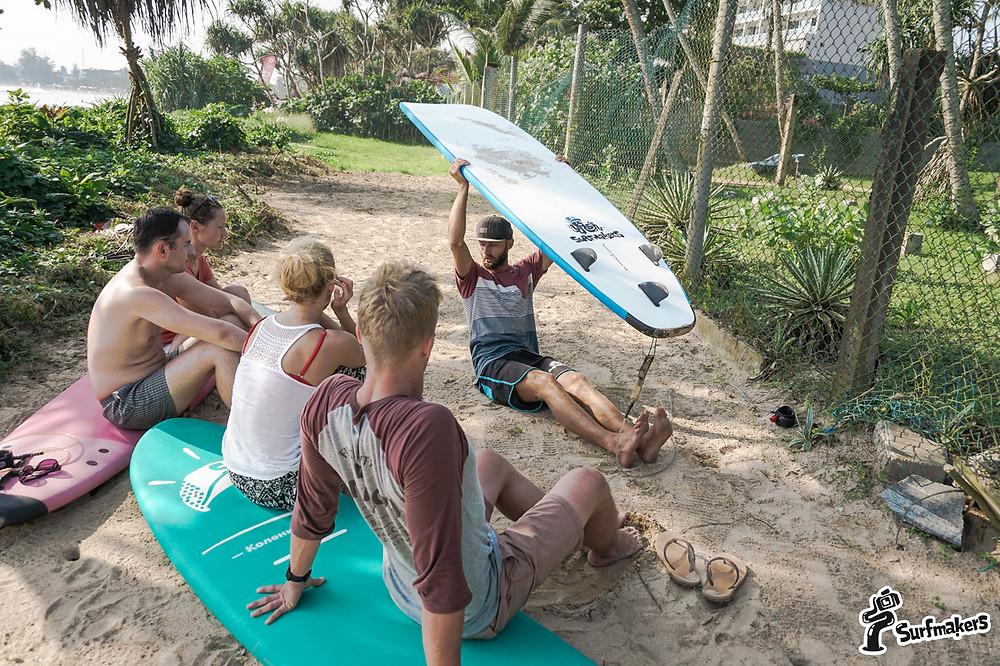 Грызть гранит науки на пляже - очень приятно!