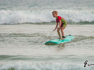 По каким критериям выбирать место для обучения сёрфингу?