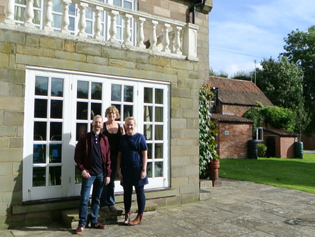 Donna and Gareth return to the Old Vicarage on their 10 year Wedding Anniversary from 29th Sept 2006