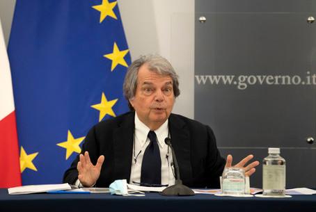 Brunetta: 'Un mese e arriva il contratto di lavoro da remoto'