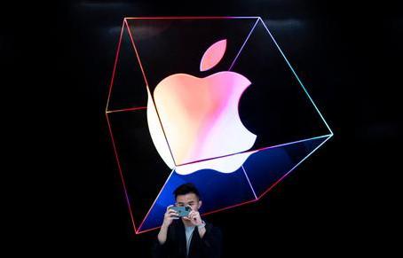 Apple ritarda il lancio di nuovi strumenti contro la pedopornografia