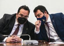 Salvini cerca la via d'uscita