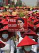 """Birmania, 18 manifestanti uccisi in diverse città. San Suu Kyi in video al processo, """"sta bene"""""""