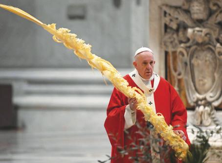 """Il Papa cita i """"veri eroi"""""""