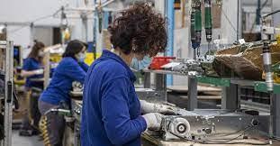 Istat: volano i contratti a termine