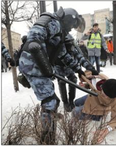 Navalny riempie le piazze