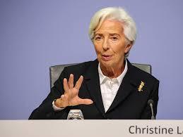 Lagarde: 'Prospettive incerte, pronti ad aggiustare strumenti'