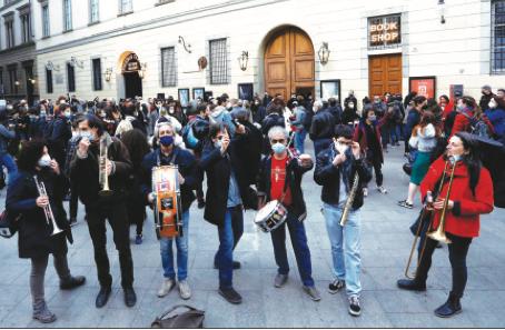 Protesta dei teatri: ora riaprire