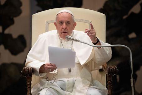 Il Papa apre alle unioni civili per le coppie gay
