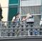 Samuele gettato dal balcone