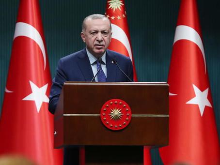"""Erdogan: """"Le parole di Draghi totale maleducazione, danneggiate le relazioni"""""""